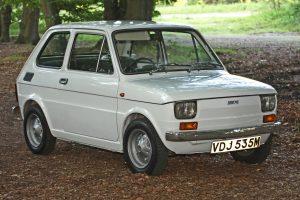 Samochody z lat 80 - Fiat 126 (fot. Tony Harrison@Wikipedia, CC BY-SA 2.0)