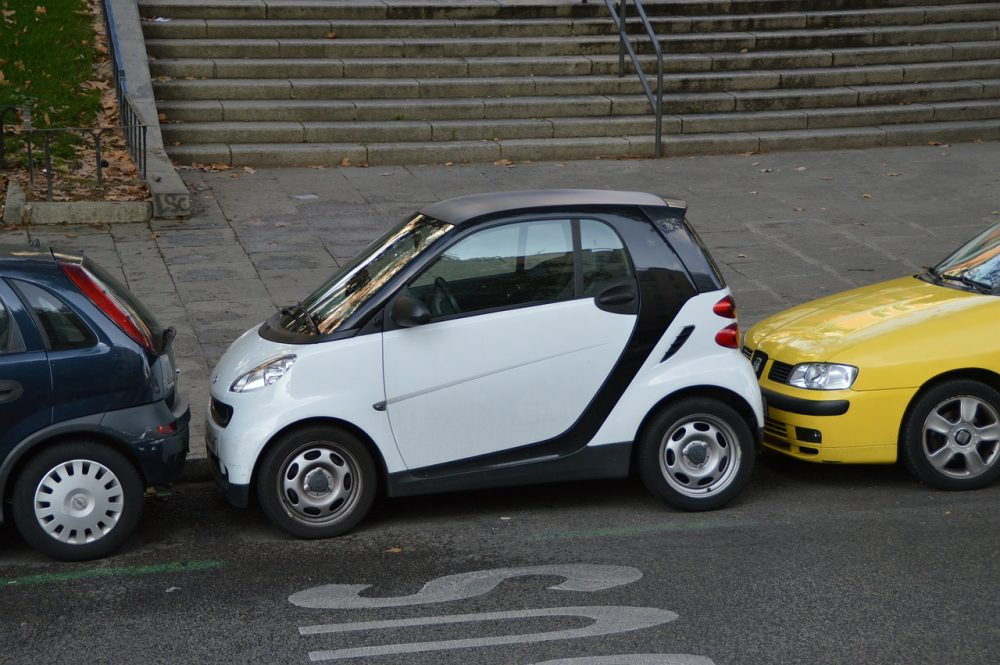 parking (fot. aloiswohlfahrt@Pixabay)