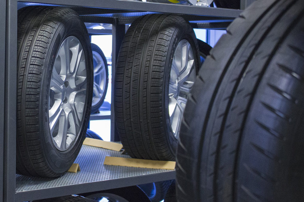 tires-2989872_1920